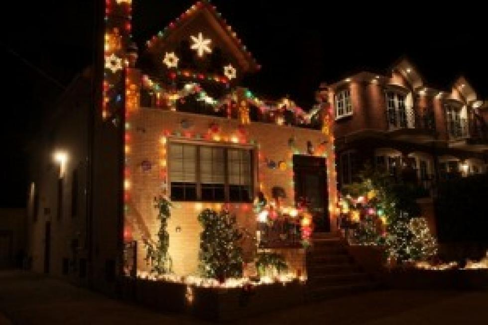 attention redneck shoppers have we got some christmas lights for you video - Redneck Christmas Lights